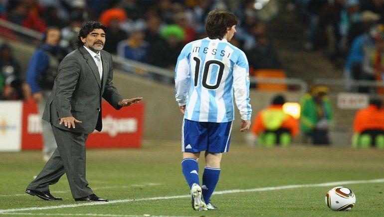 Maradona siempre ha confesado sentir gran amor y admiración hacia Messi.