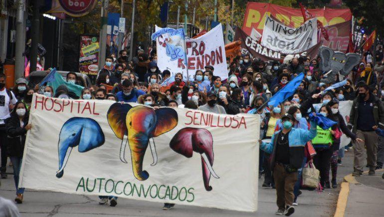 El acto por el 1° de mayo reunió a miles de trabajadores en las calles