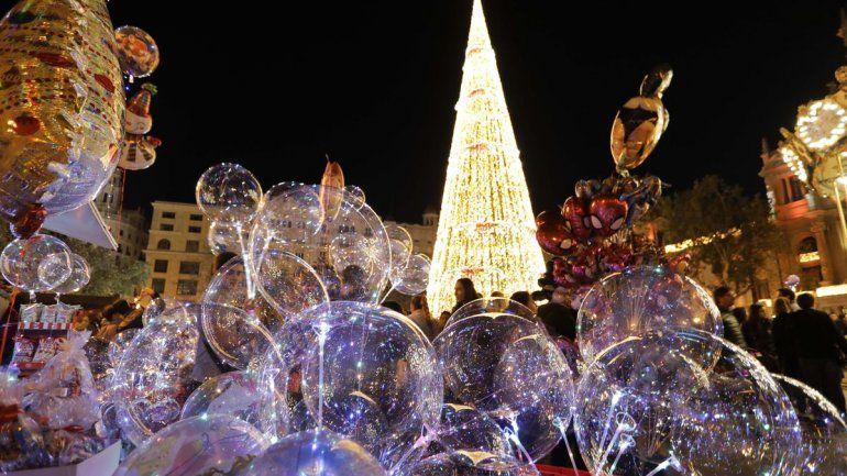 La Navidad española: hasta 6 personas y toque de queda a la 1 AM
