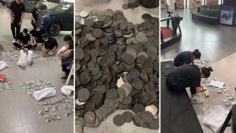 Viral: compró un auto con miles de monedas y pasan tres horas contando el dinero.