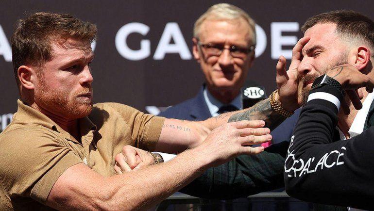 Canelo se fue a las manos en la presentación de su próxima pelea