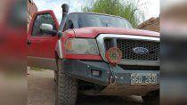 de pelicula: tiraron abajo un porton y recuperaron la camioneta robada