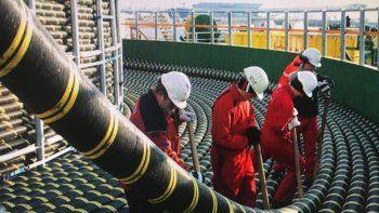 buques franceses instalan en argentina cable submarino de internet