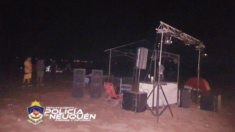 Desactivaron una fiesta clandestina en el lago Los Barreales