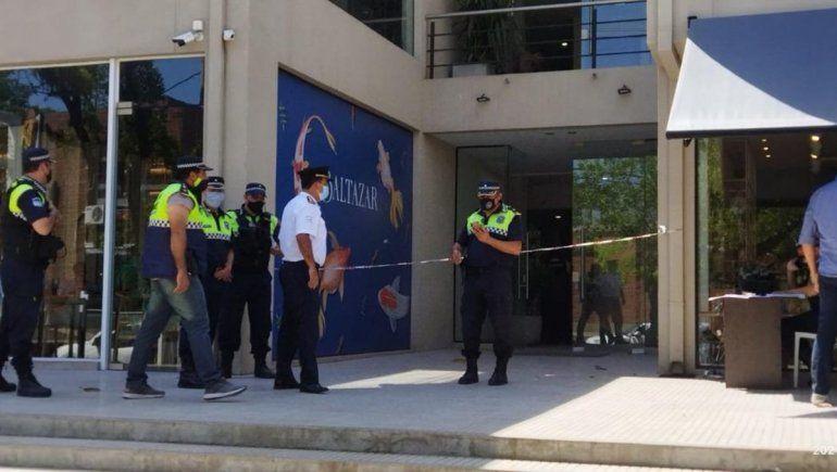 Entró a una oficina para matar a un ex compañero y baleó a una mujer