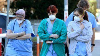 durante el miercoles el pais registro 10.332 casos y 241 muertes