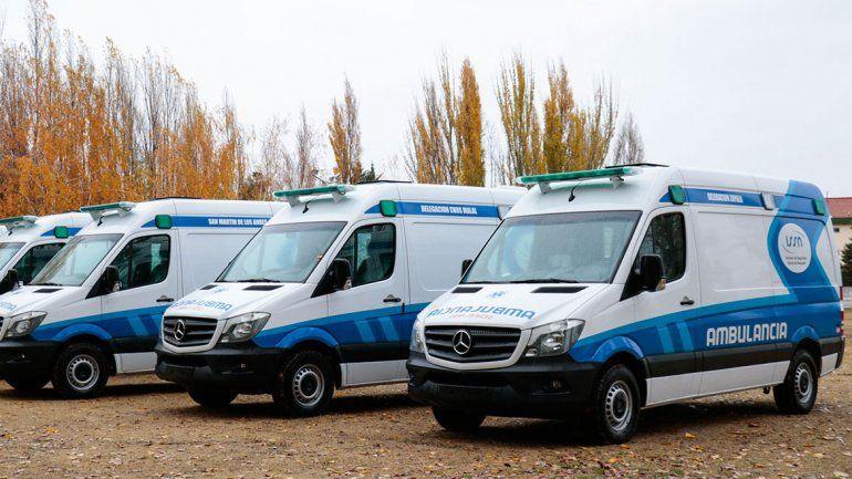 Entregan al ISSN cinco ambulancias equipadas