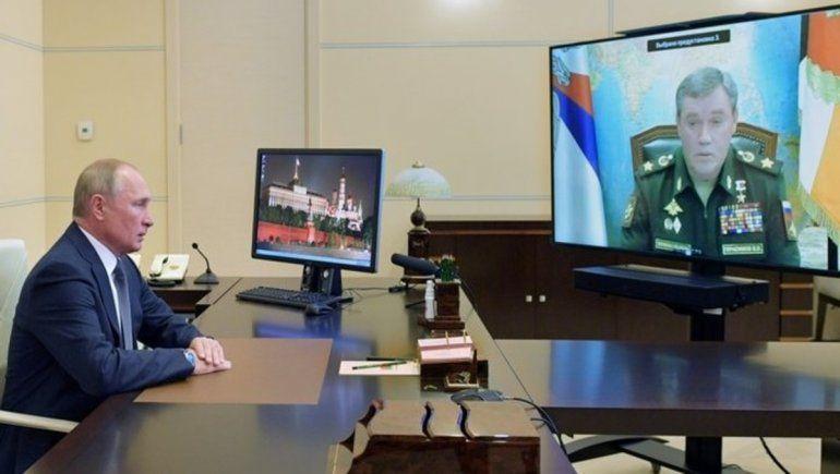 Cumpleaños bélico: Putin festejó sus 68 años probando un misil