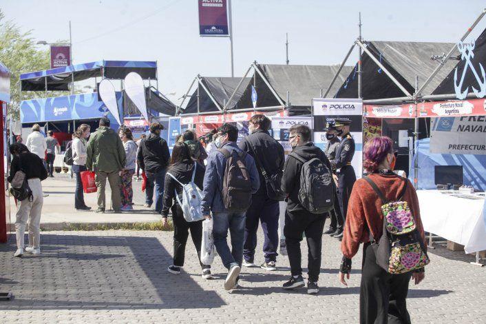 Expo Vocacional: en el primer día, los jóvenes se volcaron a las carreras tradicionales
