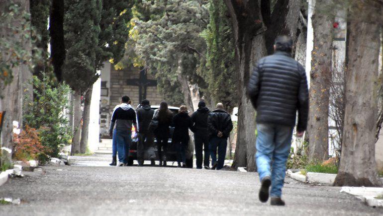 No baja la relación de muertes por COVID del total de fallecidos en la ciudad