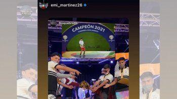 El gran gesto del Dibu Martínez que sorprendió a estudiantes neuquinos