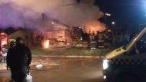 tragedia: murieron cinco nenes y dos mujeres en un incendio
