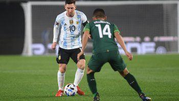 Con el aguante de los hinchas: Argentina le gana a Bolivia con gol de Messi