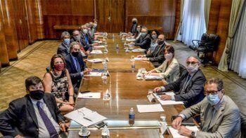 el gobierno evalua retomar el ife y el programa atp