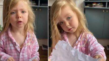 Niña es viral por criticar a su madre al encontrar su dibujo en la papelera.