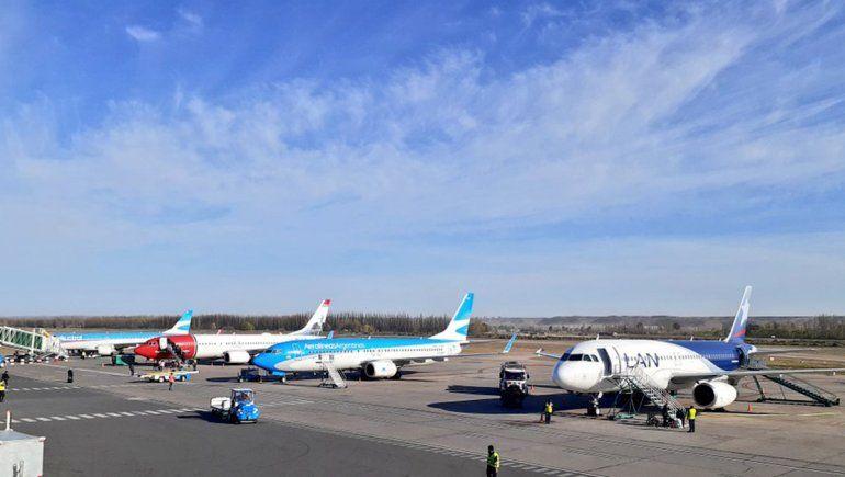 Si se juntan varios vuelos en el aeropuerto, ¡se colapsa todo!