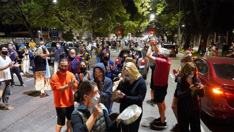 Nuevos cacerolazos en CABA: vecinos rechazan el fallo que ordenó suspender la presencialidad