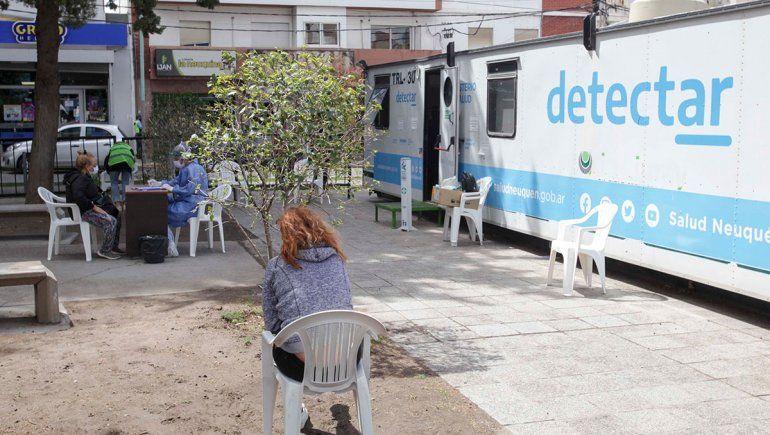 Cuatro muertos por COVID en Neuquén y 131 contagiados