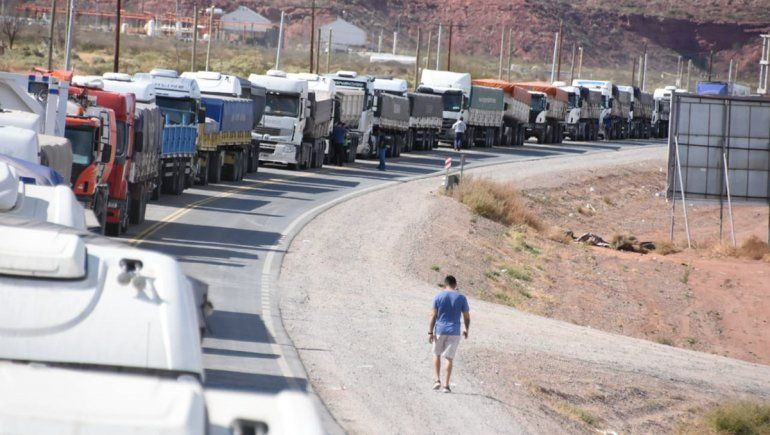 Camioneros en Añelo: Hace una semana que somos rehenes