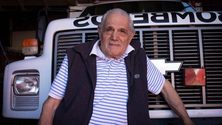 Su pasión como bombero pudo más que sus 82 años en el incendio de San Martín