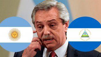 el viral y grosero error de alberto en las redes: confundio la bandera