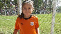 Felicita Flores, la niña crack del fútbol que ya firma contratos.