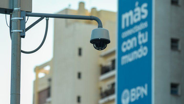 Buscan obligar a grandes comercios a instalar cámaras