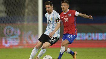 La selección mostró dos caras y apenas igualó 1 a 1 con Chile en su debut