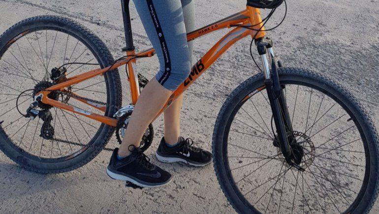 Los ladrones les robaron tres bicicletas y tres celulares.