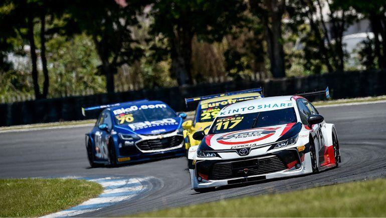 Matías Rossi completó la novena fecha del Stock Car en Curitiba