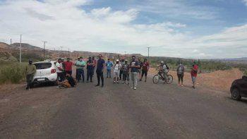 Desocupados de Rincón de los Sauces cortan la ruta 6