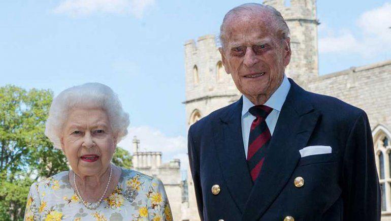El Papa dio el pésame a la Reina Isabel II