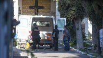 argentina supero los 100 mil muertos en 16 meses y una semana
