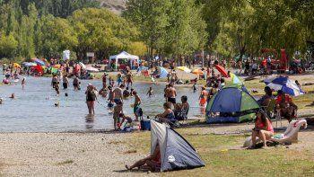 Galería: el calor no dio respiro y el río se volvió a colmar