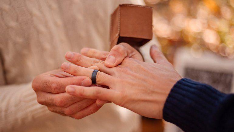 EE.UU.: un padre se quiere casar con su hijo biológico