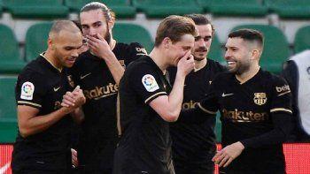 Barcelona gana con un De Jong bendecido por Messi