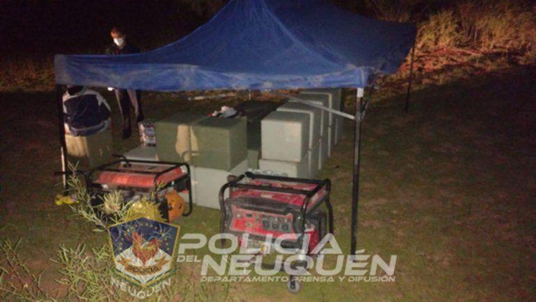 La Policía desbarató una fiesta clandestina en el lago Los Barreales.