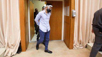 Drogadicto y violento: testigos de la defensa no ayudaron a Escobar