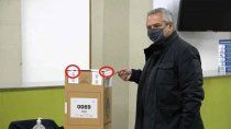 son verdaderas las fotos de alberto votando en urna con faja cortada y la justicia investiga