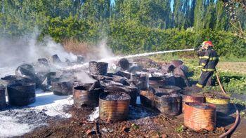 El acopio de tachos de fuel oil produce incendios y preocupa en el Alto Valle