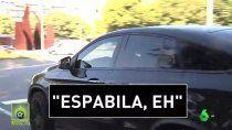 messi fue increpado por un hincha del barcelona: mira su reaccion en caliente