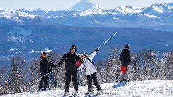 Volvió la nieve y 16 mil esquiadores ya aprovecharon el cerro Chapelco