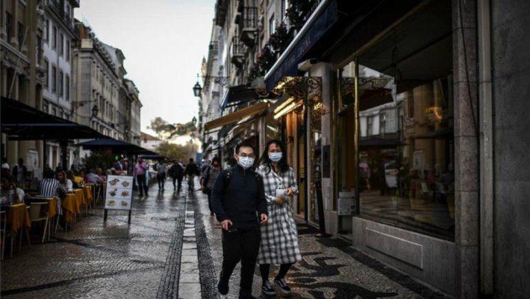 Alarma: el coronavirus redobla su mortífero paso por Europa
