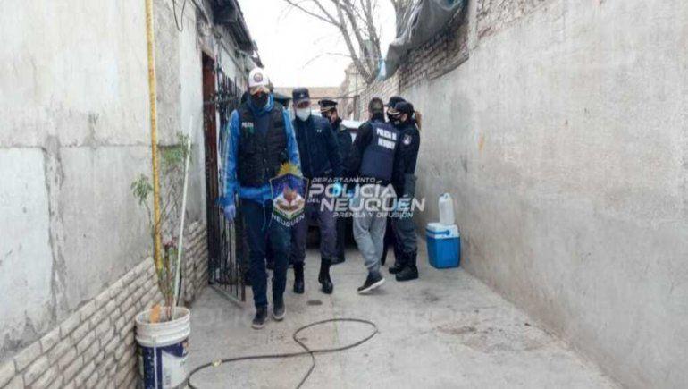 La Policía realizó cinco exitosos allanamientos en el Este de Neuquén capital.