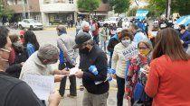 comerciantes protestan en reclamo de mayor flexibilizacion