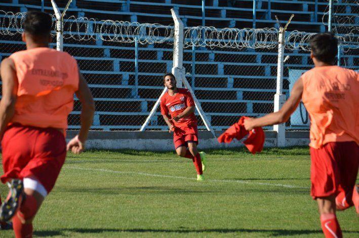 El festejo de gol de Villa. Foto gentileza:Prensa club Independiente - Marcelo Aranea.