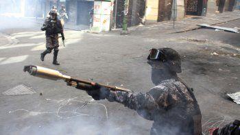 Bolivia exhibió parte de las armas enviadas en 2019