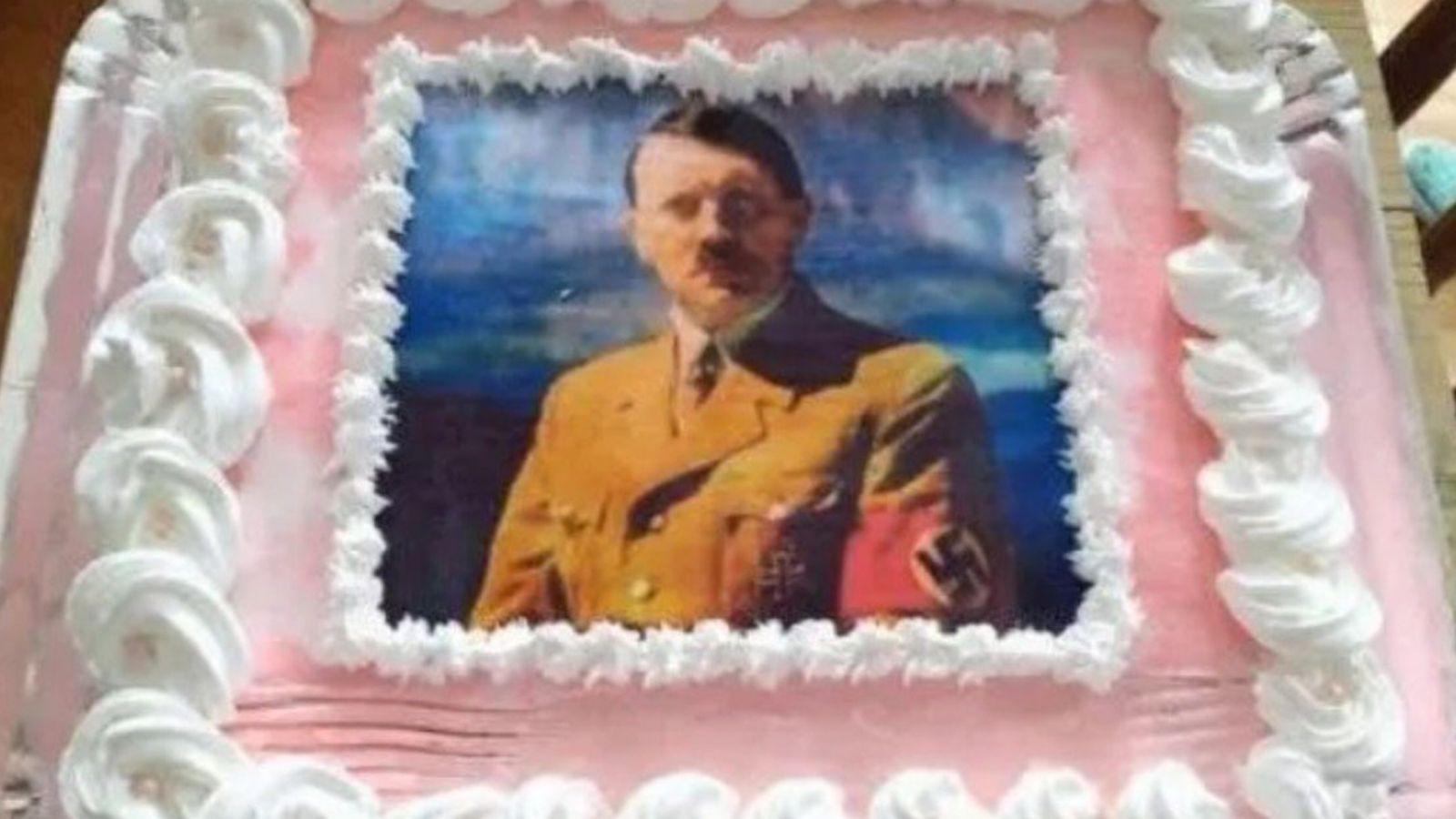 brasil: festejo su cumpleanos con una torta de hitler