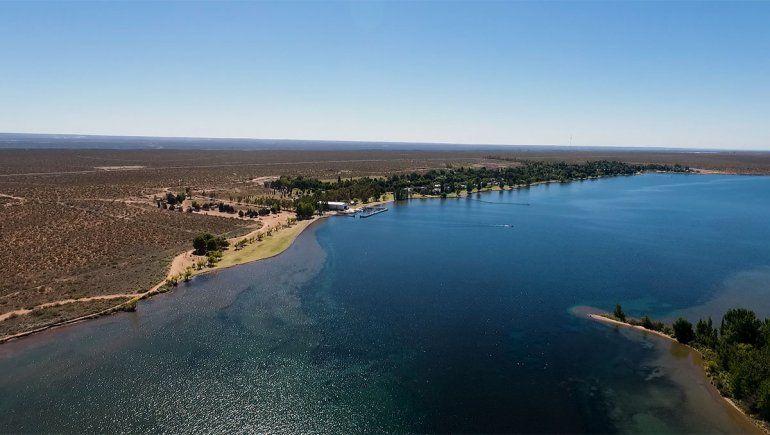 Turismo de cercanía: Mari Menuco, un lago escondido en el Valle