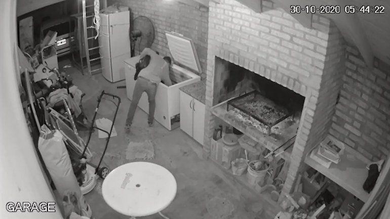 Quedó grabado al robarse un chivo y un costillar de una casa